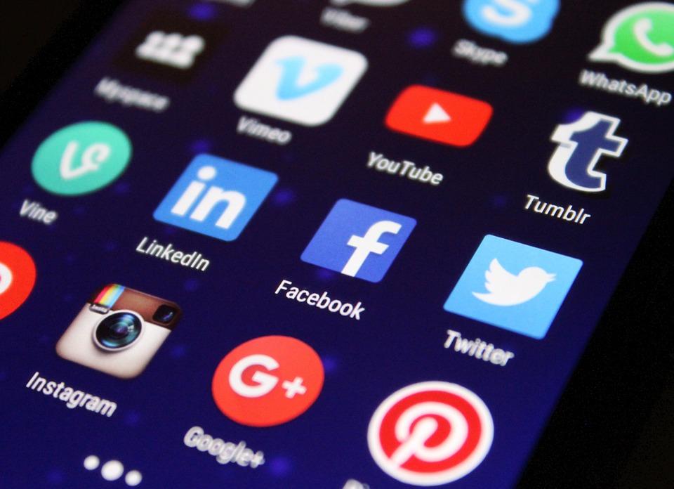Facebook, juge et parti face aux enquêtes de la BBC
